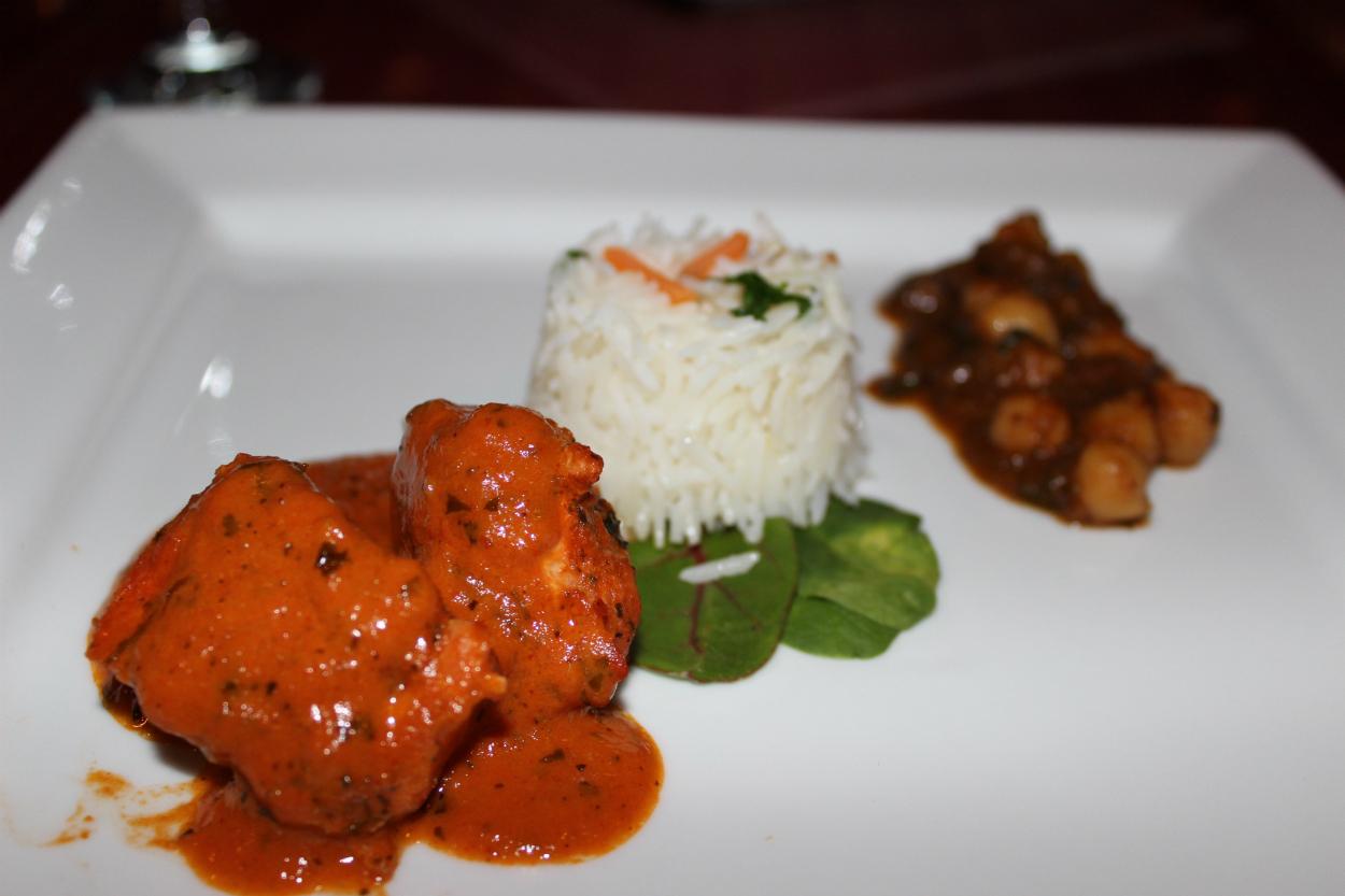 Butter Chicken Vindaloo & Chana Masala with Basmiati Rice & Naan.